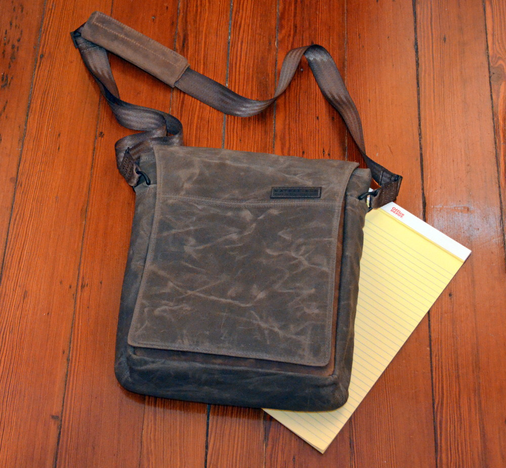 iphone j d 2016 however review units of those models were not available at the time so waterfield instead sent me the field muzetto which is made of brown cotton canvas